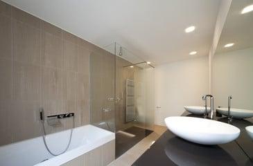 Exclusivbad München mit rahmenloser Dusche