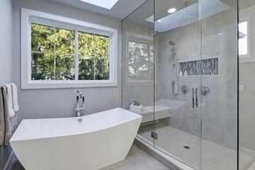 Badsanierung München mit rahmenloser Dusche
